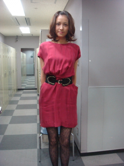 ピンクのワンピースが可愛い青木裕子