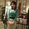 北千住ルミネの店長。早速新作のソフトコクーンスカートを着ていました! 着るだけで気分の上がりそうなキレイ色のニットを合わせていました♪